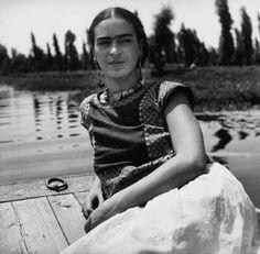 Frida Kahlo en Xochimilco 1936