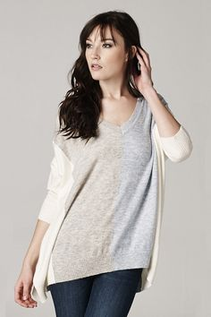 Casually chic sweater perfect for fall or winter. Loose fitting go to sweater.