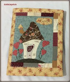 Nice bag on home page Wool Applique, Applique Quilts, Felt House, Japanese Patchwork, Bible Covers, Book Covers, Patch Aplique, Fabric Journals, Landscape Quilts