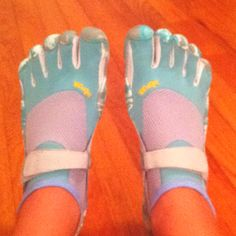 Vibing my new vibrams!