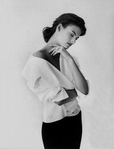 Linda Evangelista byPeter Lindbergh for Vogue Italia, September 1988