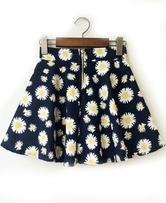 Shop Navy Daisy Print Flare Skirt online. Sheinside offers Navy Daisy Print Flare Skirt & more to fit your fashionable needs. Free Shipping Worldwide!