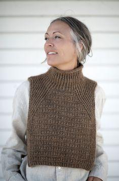 Knit Vest, Knitted Poncho, Knitted Shawls, Knitting Stitches, Knitting Yarn, Free Knitting, Collar Pattern, Alpacas, Knitting Accessories