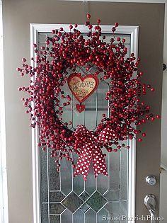 Hometalk :: Valentine Ideas :: Clover House, DeeDee's clipboard on Hometalk.....LOTS of ideas!! Valentine Wreath, Valentines Day, 4th Of July Wreath, Grapevine Wreath, Holiday Ideas, Christmas Wreaths, Valentines Diy, Christmas Swags, Valentine's Day