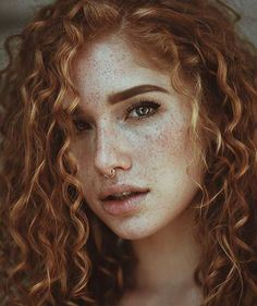 SexyFrex: Sexy girls with freckles < red hair + septum piercing Fake Freckles, Freckles Girl, Blonde Hair Freckles, Blonde Curls, Septum Piercings, Mouth Piercings, Female Character Inspiration, Beautiful Redhead, Beautiful Females