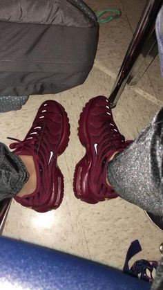 sports shoes 17d25 7b045 Burgundy Nikes · Burgundy NikesBurgundy SneakersShoes HeelsNew ShoesCrazy  ShoesShoe BootsMaroon Tennis ShoesAirmax ...