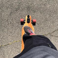 Takes me about three minutes to get to work if I longboard.  #californialife