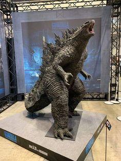 Super 8 Monster, Big Iguana, Godzilla Birthday Party, Giant Monster Movies, Avengers Infinity War, Art Reference, Creatures, Jurassic World, Empanadas