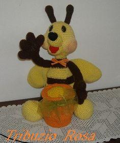 ape con il suo vasetto di miele