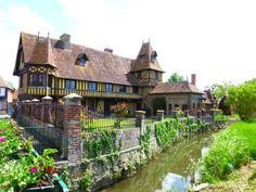 One of my favorite homes in Beuvron-en- Auge France.