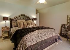 3BR/3.5BA Modern Hollywood Glamour - Turnkey Vacation Rental Palm Springs Vacation Rentals, Hollywood Glamour, View Photos, Bed, Modern, Furniture, Home Decor, Trendy Tree, Decoration Home