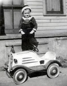 1937 - boy and toy car ♪•♪♫♫♫ JpM ENTERTAINMENT ♫♪•♪♫♫