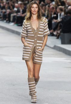 Gisele Bündchen Makes Her First Paris Fashion Week Appearance at Chanel  #InStyle