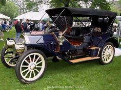 1914 Locomobile Berline Town Car