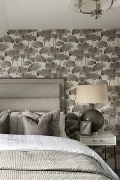 DIY Headboard ideas to transform the bed into a masterpiece Mind Blowing Dreamy DIY Headboard Ideas Headboard Ideas, Diy Headboards, Wooden Diy, Mind Blown, Wooden Frames, Easy Diy, Mindfulness, Diy Projects, Rustic