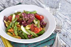 Fitt fazék kultúrblog : Zöldspárgás, meleg tésztasaláta (gluténmentes, vegan).