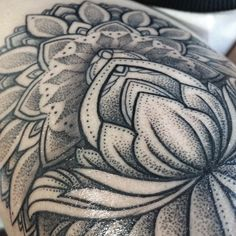 SASHATATTOOING - love the detail