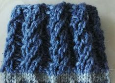 PAPPILAN ELÄMÄÄ: Uudenlainen joustin Knitting Stitches, Knitting Socks, Knitted Hats, Boot Cuffs, Handicraft, Mittens, Stitch Patterns, Needlework, Knitwear