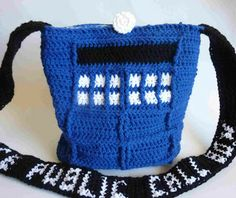Crochet Dynamite: Lining the Tardis!