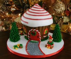 Gingerbread house cake made with Wilton Cupcake cake mold Christmas Cake Designs, Christmas Cupcakes, Christmas Sweets, Christmas Gingerbread, Christmas Cooking, Christmas Goodies, Christmas Fun, Gingerbread Houses, Office Christmas