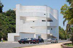 -Museu Iberê Camargo