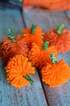 Pumpkin Party: Pumpkin Party Ideas and Crafts. Need pumpkin party ideas for a cute fall birthday party? How about a Pumpkin Party? Celebrate your little pumpkin in style! Easy Fall Crafts, Fall Crafts For Kids, Fall Diy, Thanksgiving Crafts, Crafts To Do, Holiday Crafts, Holiday Ideas, Halloween Class Party, Halloween Crafts