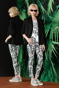 See the complete Nicole Miller Resort 2015 collection.