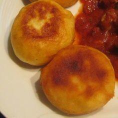 Könnyű kelt burgonyafánk Recept képpel - Mindmegette.hu - Receptek Bagel, Side Dishes, Good Food, Easy Meals, Peach, Bread, Cheese, Fruit, Recipes