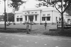 Gedung AMVJ (Amsterdamsche Maatschappij voor Jongemannen). di Bandung. 2 Maret 1948