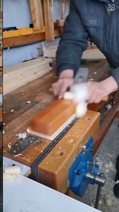 Diy Wooden Projects, Wood Shop Projects, Wood Projects For Beginners, Wood Working For Beginners, Easy Woodworking Projects, Woodworking Techniques, Furniture Projects, Woodworking Shop, Woodworking Plans