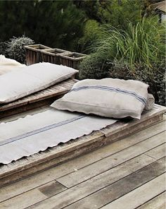 decking/ pillows