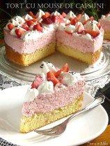 Tort-cu-mousse-de-capsuni-1
