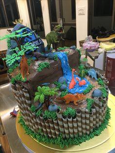 Cake with carrot and ricotta - Clean Eating Snacks Dinosaur Birthday Cakes, 4th Birthday Cakes, Safari Birthday Party, Dinosaur Cake, Dinosaur Party, Third Birthday, Birthday Parties, Jurassic World Cake, Dinosaurs