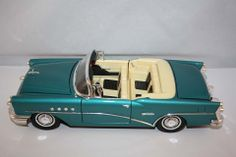 MIRA COLLECTION 1955 BUICK CENTURY CONVERTIBLE GOLDEN LINE 1:18 SCALE DIE CAST