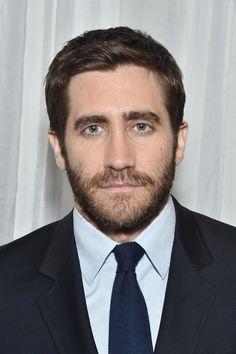 Jake Gyllenhaal Photos Photos - Actor Jake Gyllenhaal attends the 2016 New York City Center Gala at New York City Center on October 24, 2016 in New York City. - 2016 New York City Center Gala