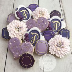 A gift to someone who loves the color purple, amethyst gems and pearls.  #customcookies #bakedsugarbakery #amethyst #pearls #flowers #heart #gems #sugarcookies #royalicing #cookieart #picoftheday #instacookies #tylertx #visittyler #easttexasbaker  Gem cookie cutters from @semisweetmike , plaque cutter from @whiskedawaycutters, chubby heart cutter from @trulymadplastics