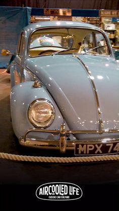 These Volkswagen Beetles on display at Volksworld 2019 where stunning, great show! Volkswagen Beetle Interior, Volkswagen Beetle Vintage, Volkswagen Beetles, Car Volkswagen, Vw Cars, Classic Vw Beetle, Vw Classic, Vw Super Beetle, Beetle Car