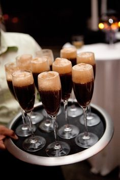 Rootbeer floats in champagne glasses for kids (or grown ups that don't like alcohol) :) - Click image to find more Weddings Pinterest pins