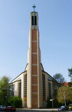 Gustav Adolf Church (1932-34) in Berlin, Germany, by Otto Bartning.