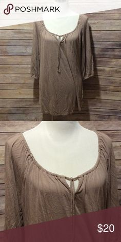 $10 SALE!!!!!!!!! Tan quarter length sleeves. Tie at neckline. Size xl. Old Navy Tops