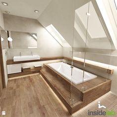 Badezimmer mit Dachschräge komplett mit Fliesen in Holzoptik. #Badezimmer #Holzfliesen