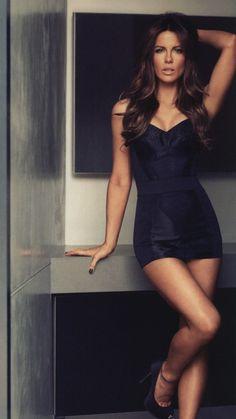 Kate Beckinsale - Beautiful and Sexy Black Dress. Kate Beckinsale Hot, Kate Beckinsale Pictures, Belle Lingerie, Black Lingerie, Women Lingerie, Most Beautiful Women, Beautiful People, Absolutely Stunning, Sexy Women