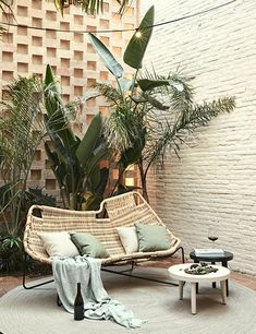 How To Decorate Your Apartment Balcony And Create An Outdoor Oasis - Draussenzimmer - Balcony Furniture Design Rattan Outdoor Furniture, Balcony Furniture, Rustic Furniture, Furniture Decor, Garden Furniture, Furniture Design, Modern Furniture, Antique Furniture, Handmade Furniture