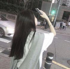 """ 'foto langit' ""dih mending foto aku"" 'g' Mode Ulzzang, Ulzzang Korean Girl, Cute Korean Girl, Ulzzang Couple, Asian Girl, Aesthetic Photo, Aesthetic Girl, Aesthetic Clothes, Korean Best Friends"