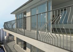 Gonzato Design > Linear style