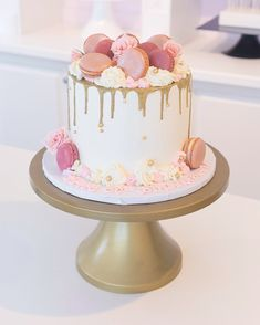 Cupcakes and Special Event Cakes Pinks and gold Wedding Dress Cleaning Tips * You should aim to dry Birthday Cake For Women Elegant, Elegant Birthday Cakes, Cute Birthday Cakes, Beautiful Birthday Cakes, Birthday Cakes For Women, Beautiful Cakes, Birthday Drip Cake, 12th Birthday Cake, Birthday Cake Decorating