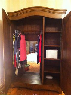Awesome wardrobe / bedroom.  Part   So cool!