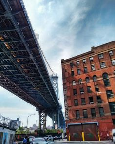 #manhattan #bridge #brooklyn #ny #nyc #newyorkcity #newyork #ig_nycity #ig_captures #lookingup #building #clouds #sky #skylovers #perspective #urban #city #street #blue #orange #cool #amazing #cityscape #nycprimeshot #nycphotographer #skyandclouds #cloudlovers