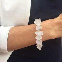 Pulsera de cuarzos!!! Disponible en mi tienda #Etsy #artencasa #artencasadiy #etsyshop #etsyseller #etsyjewelry #etsybracelets #etsybracelet #braceletstone #pulseras #pulsera #pulseradepiedras #cuarzo #quartz #quartzbracelet