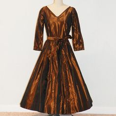 1950s Vintage Fit /& Flare Cocktail Party Dress  /'50s Black and Copper Taffeta Floral Brocade Full Skirt Dress